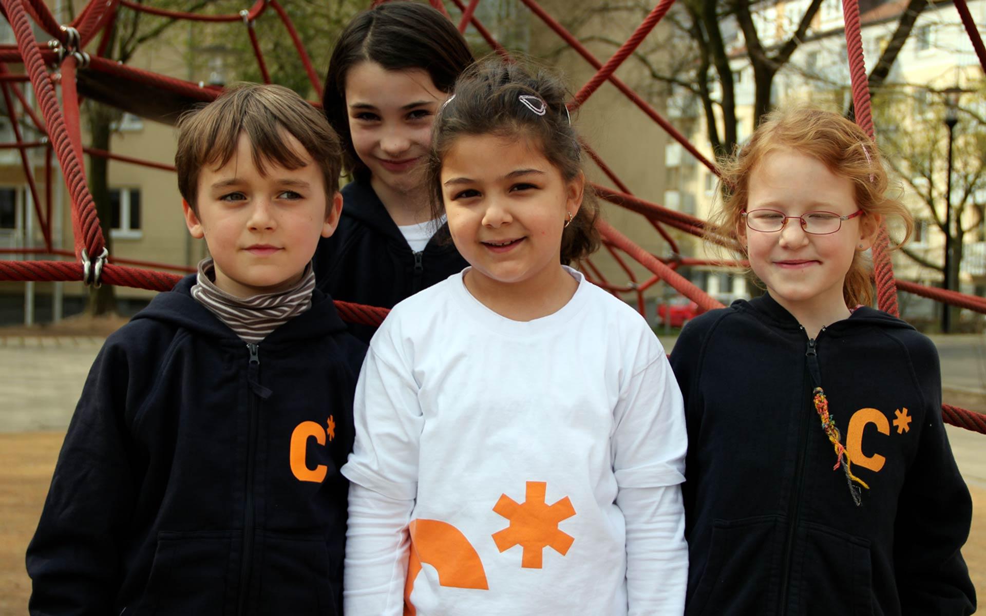 Carl Sonnenschein Schule Corporate Design, Corporate Fashion, T-Shirts und Jacken