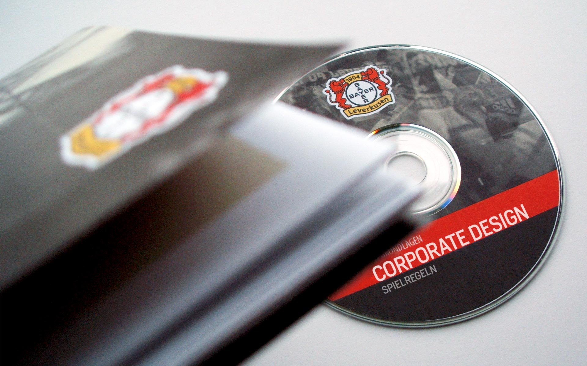 Bayer 04 Leverkusen Corporate Design, CD-Manual und CD-Rom