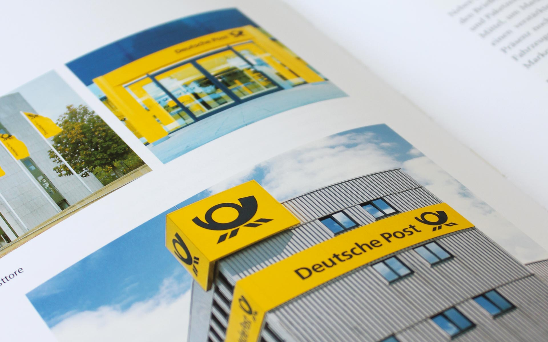 Deutsche Post AG / DHL Corporate Design, Doppelseite im CD-Manual