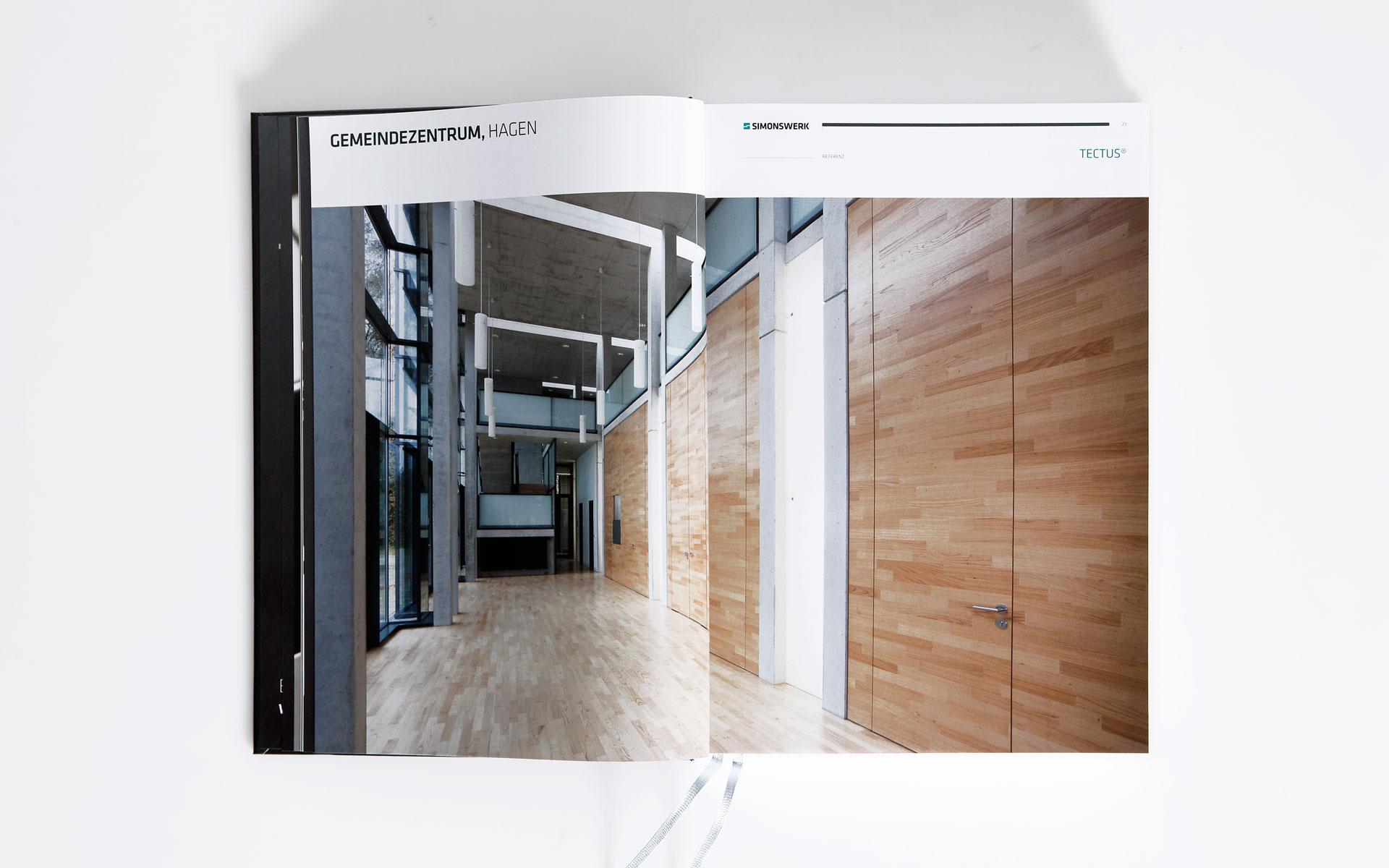 Simonswerk Kompendium 2012, Handbuch, Doppelseite, Casestudy