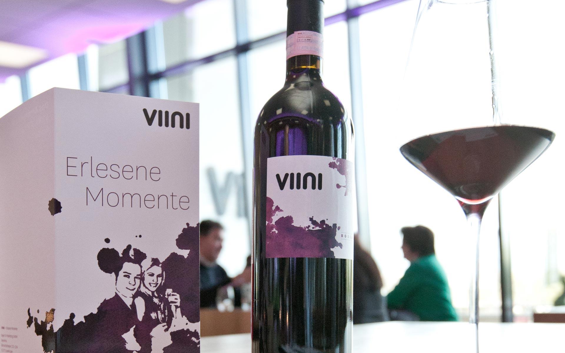 VIINI Brand Identity, Corporate Design, Weinkarte und Weinflasche