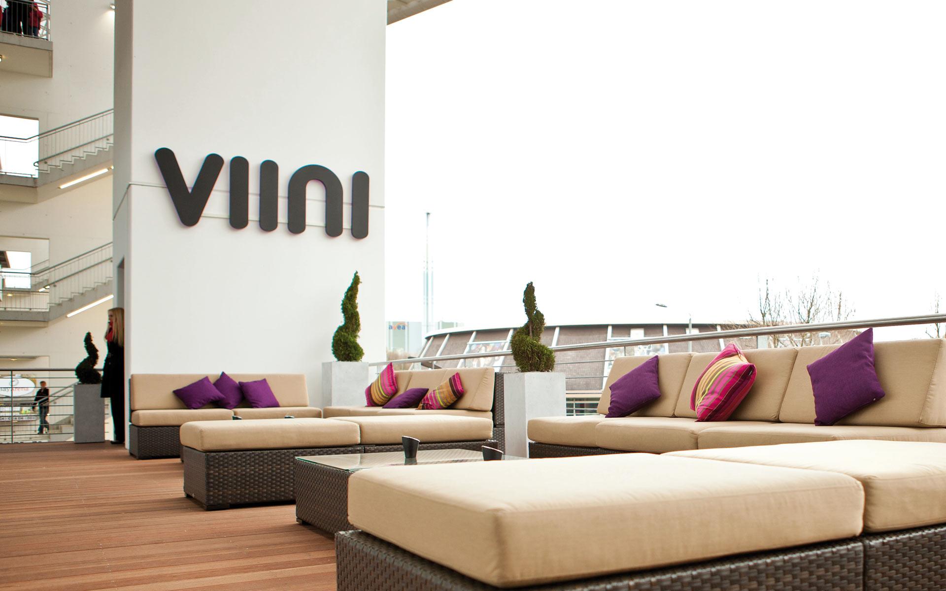 VIINI Brand Identity, Corporate Design, Interiour, Balkon, Branding der Fassade