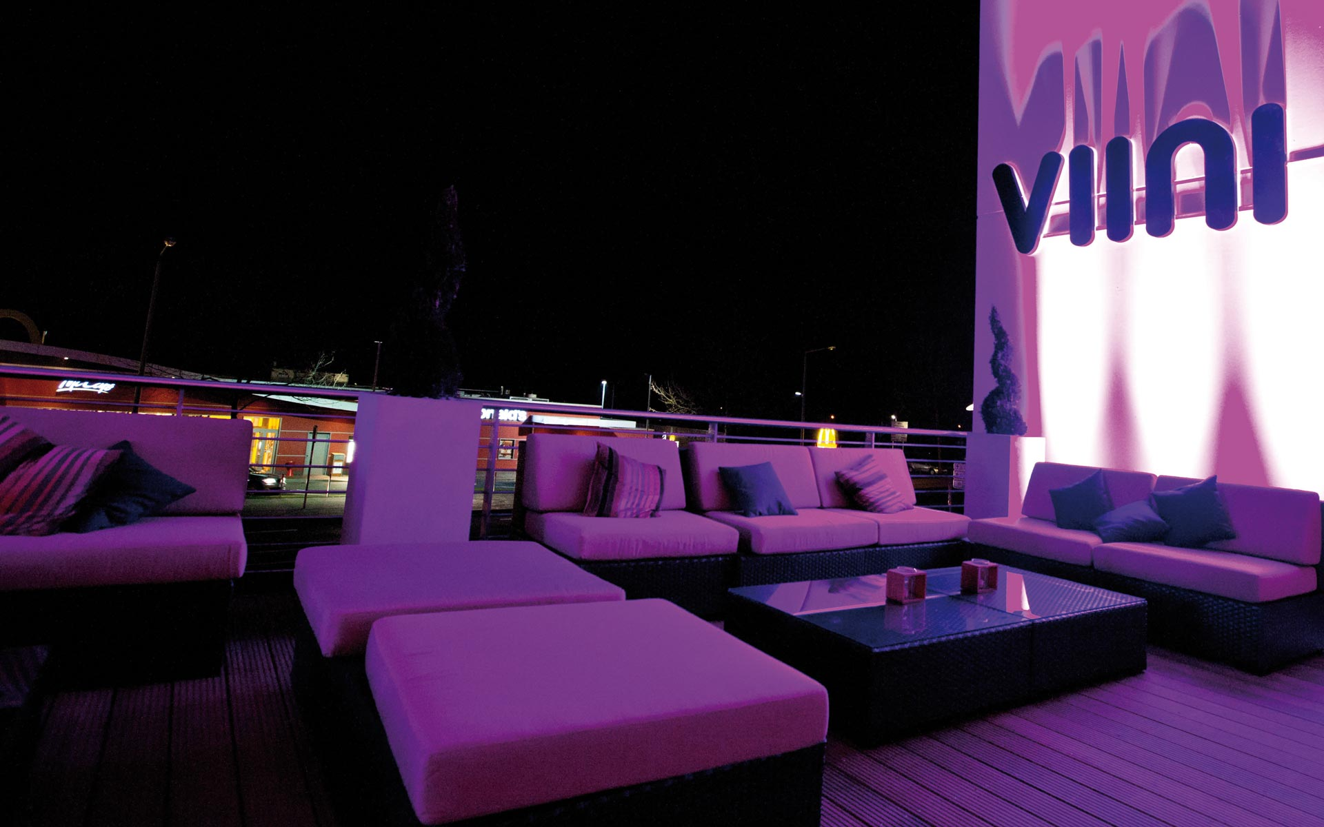 VIINI Brand Identity, Corporate Design, Interiour, Balkon