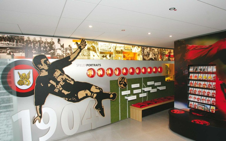 Bayer 04 Foyer BayArena, Brand Space, Spielerportraits