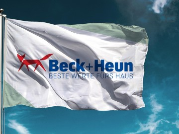 Beck+Heun Corporate Design, Markenkommunikation, Branding, Signage, Flagge
