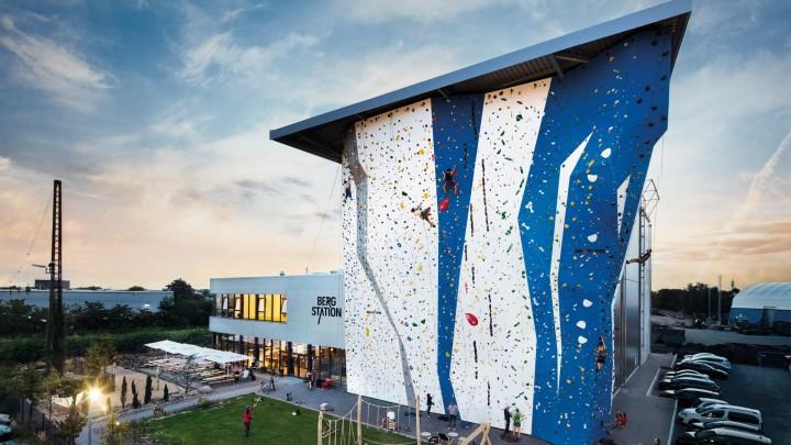 Bergstation Corporate Design, Stationery, Kletterhalle, Brand Identity, Hilden, Bouldern, Marke, Kommunikation, stay golden