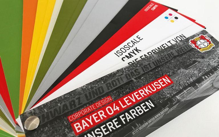 3. Auflage des Bayer 04 Farbmusterfächers