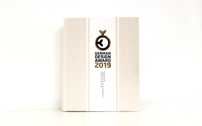stay golden, Jahrbuch, German Design Award, 2019,  Marketing, Auszeichnung, Special Mention, Corporate Identity, Bergstation