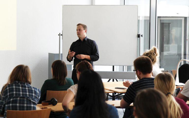Jobtalk an der MDH mit Carsten Prenger von stay golden